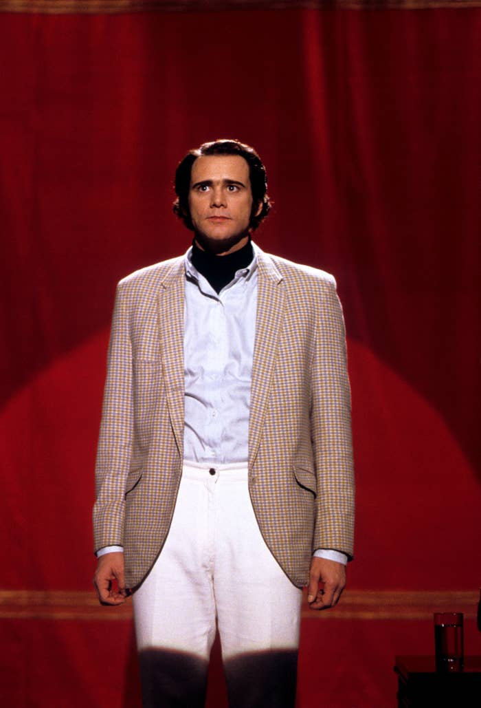 Jim Carrey on stage as Andy Kaufman in man on the moon