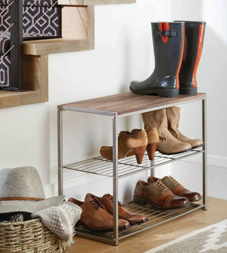The rustic oak three-tier shoe rack