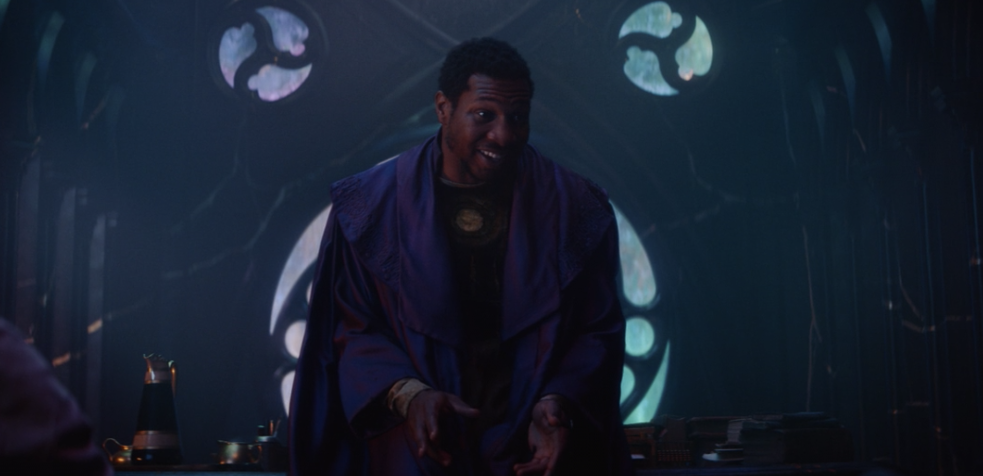 He Who Remains speaking to Loki and Sylvie at the Citadel