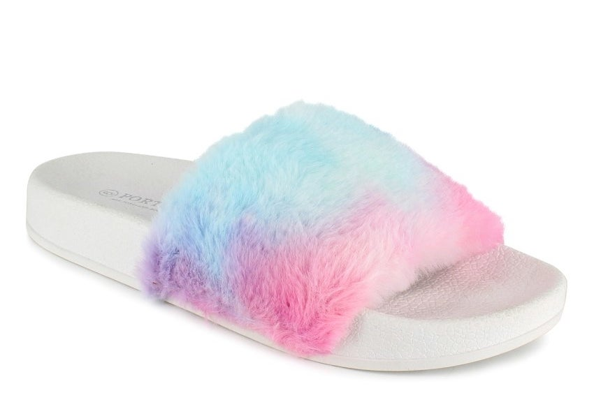 the pair of fuzzy slides in multicolor