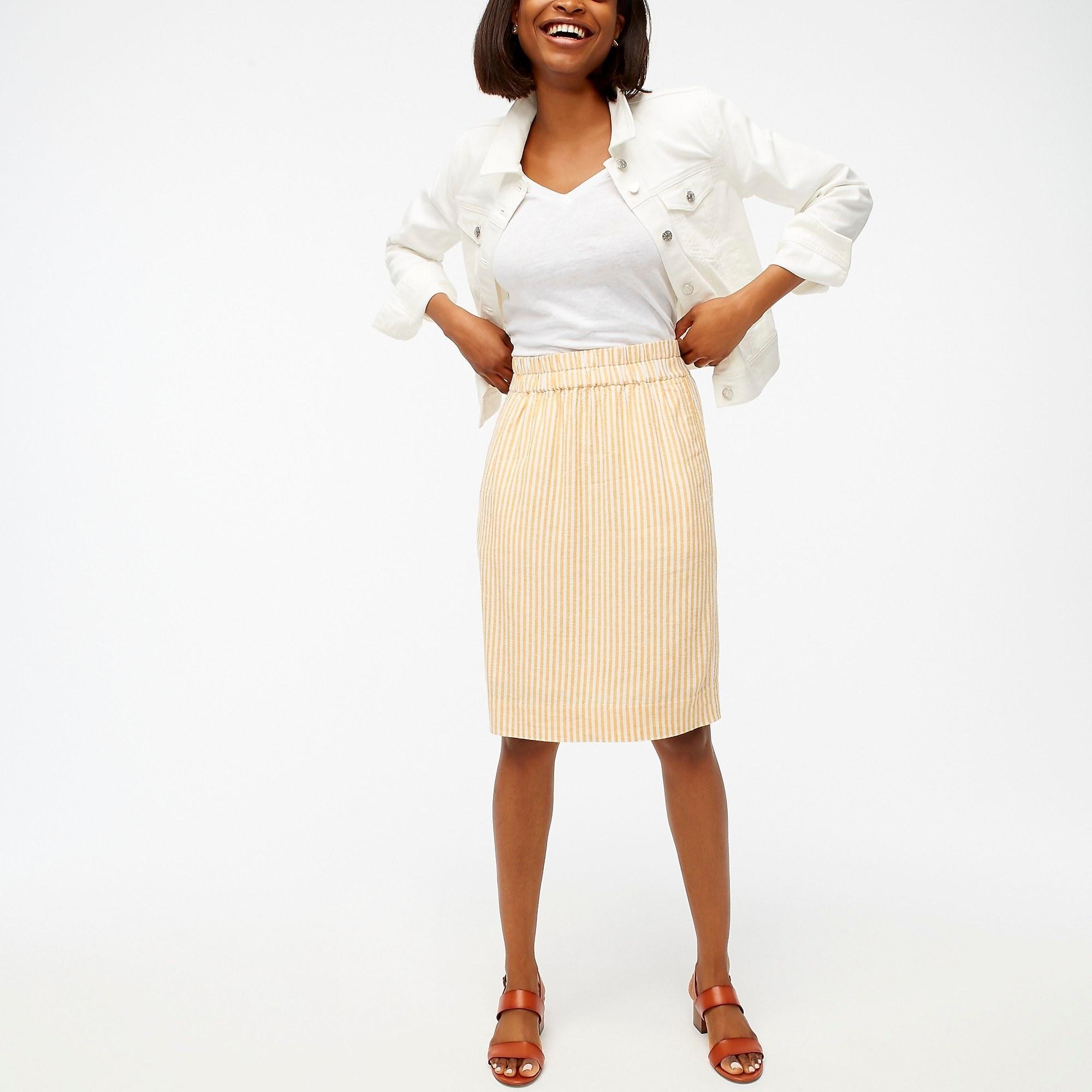 model wearing the linen pull-on skirt