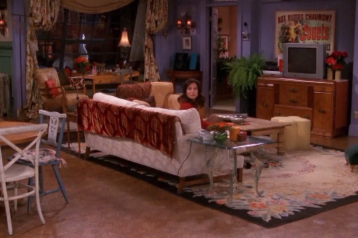 """Everyone's Aesthetic Matches One Of The Apartment From """"Friends"""" — Choose Your Favorite Episodes To Find Out Which One You Belong In"""