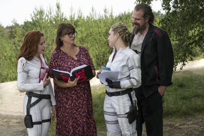 Scarlett Johansson, Cate Shortland, Florence Pugh, and David Harbour all talking on set