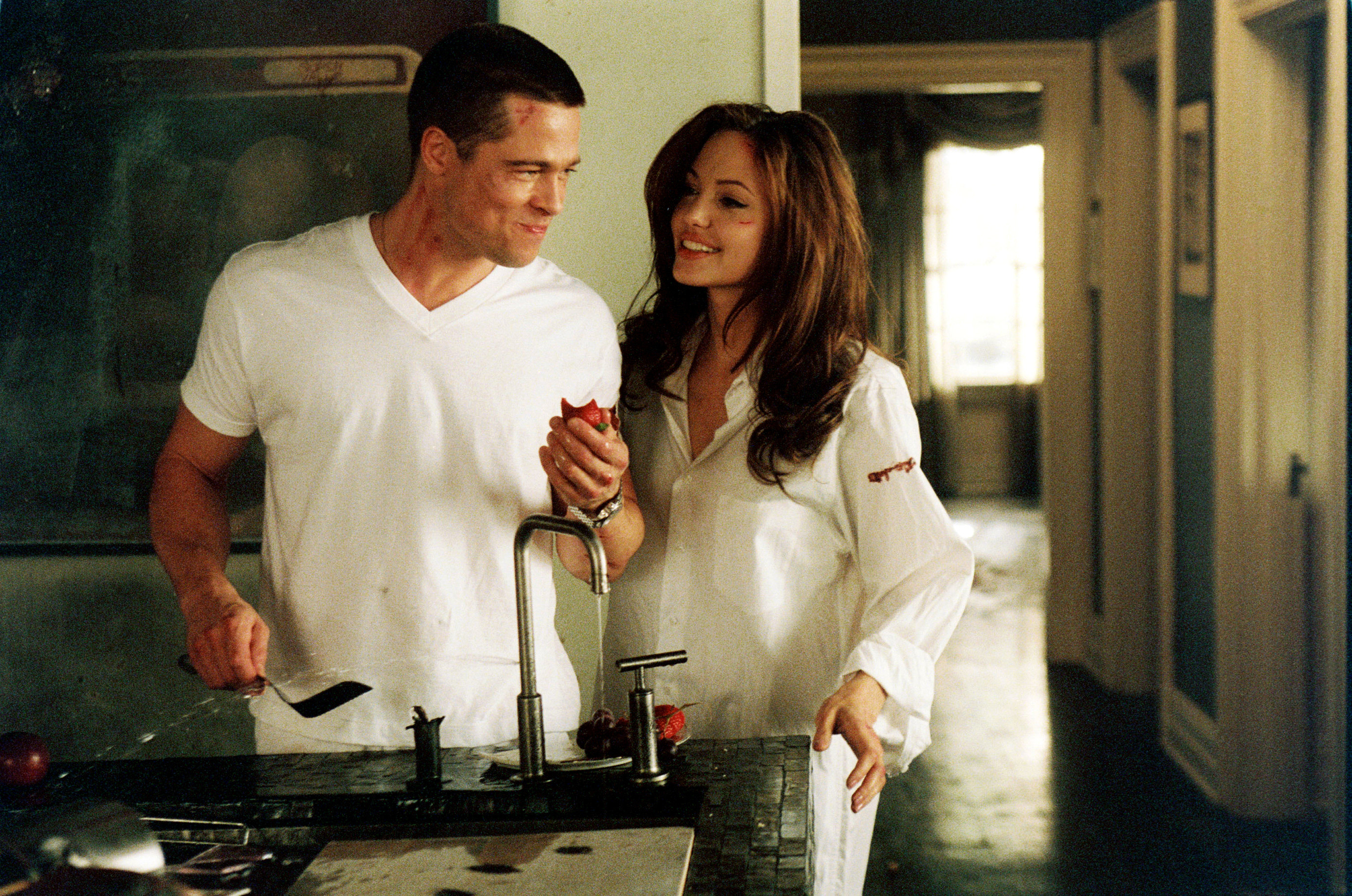 Angelina jolie wearing brad pit's shirt as pajamas in mr and mrs. smith