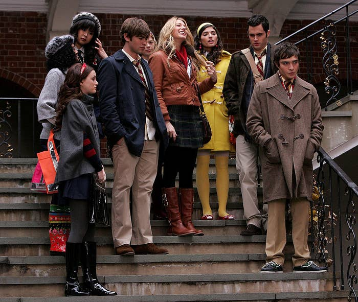"""Leighton Meester, Chace Crawford, Blake Lively, Penn Badgley and Ed Westwick on location for """"Gossip Girl"""""""