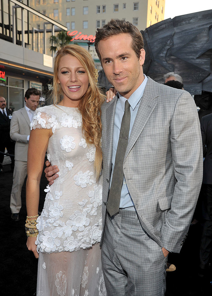 """Ryan Reynolds (L) and Blake Lively arrive at the """"Green Lantern"""" Los Angeles Premiere"""