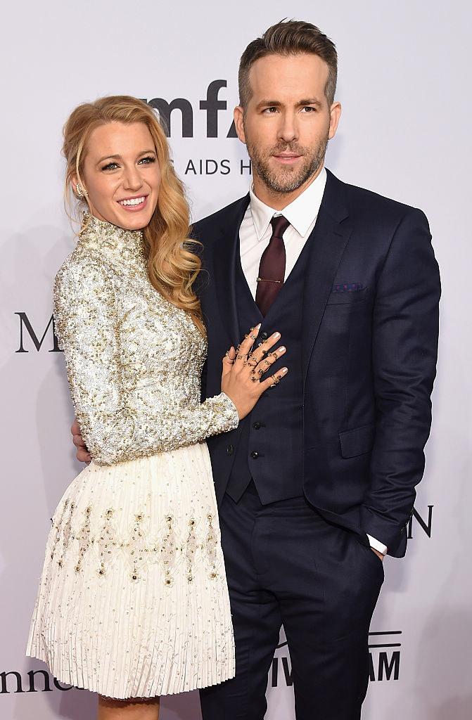 Blake Lively (L) and Ryan Reynolds attend 2016 amfAR New York Gala