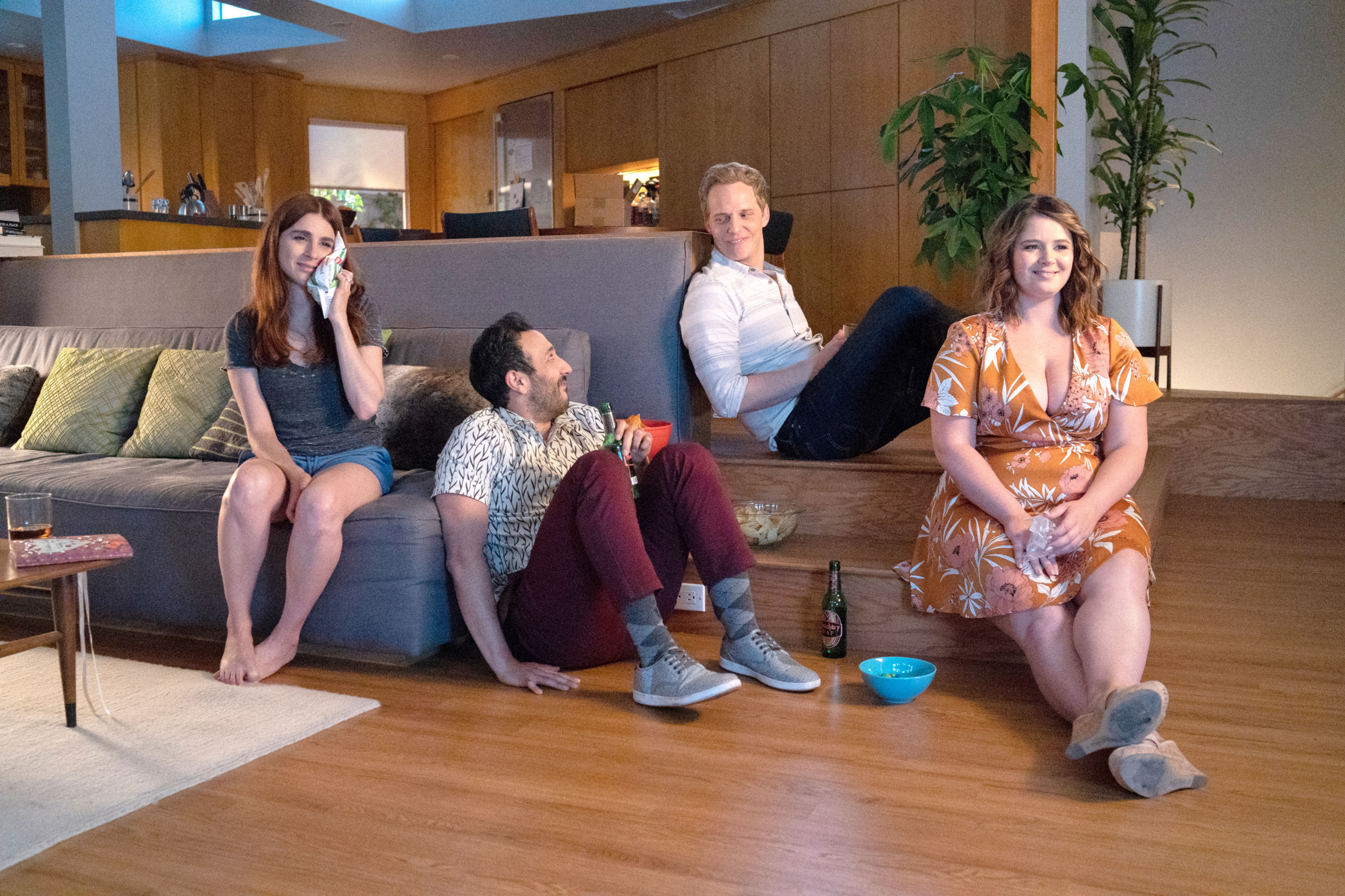 """Aya Cash, Desmin Borges, Chris Geere, and Kether Donohue sitting on the couch and chatting asGretchen,Edgar,Jimmy, and Lindsay on """"You're the Worst"""""""