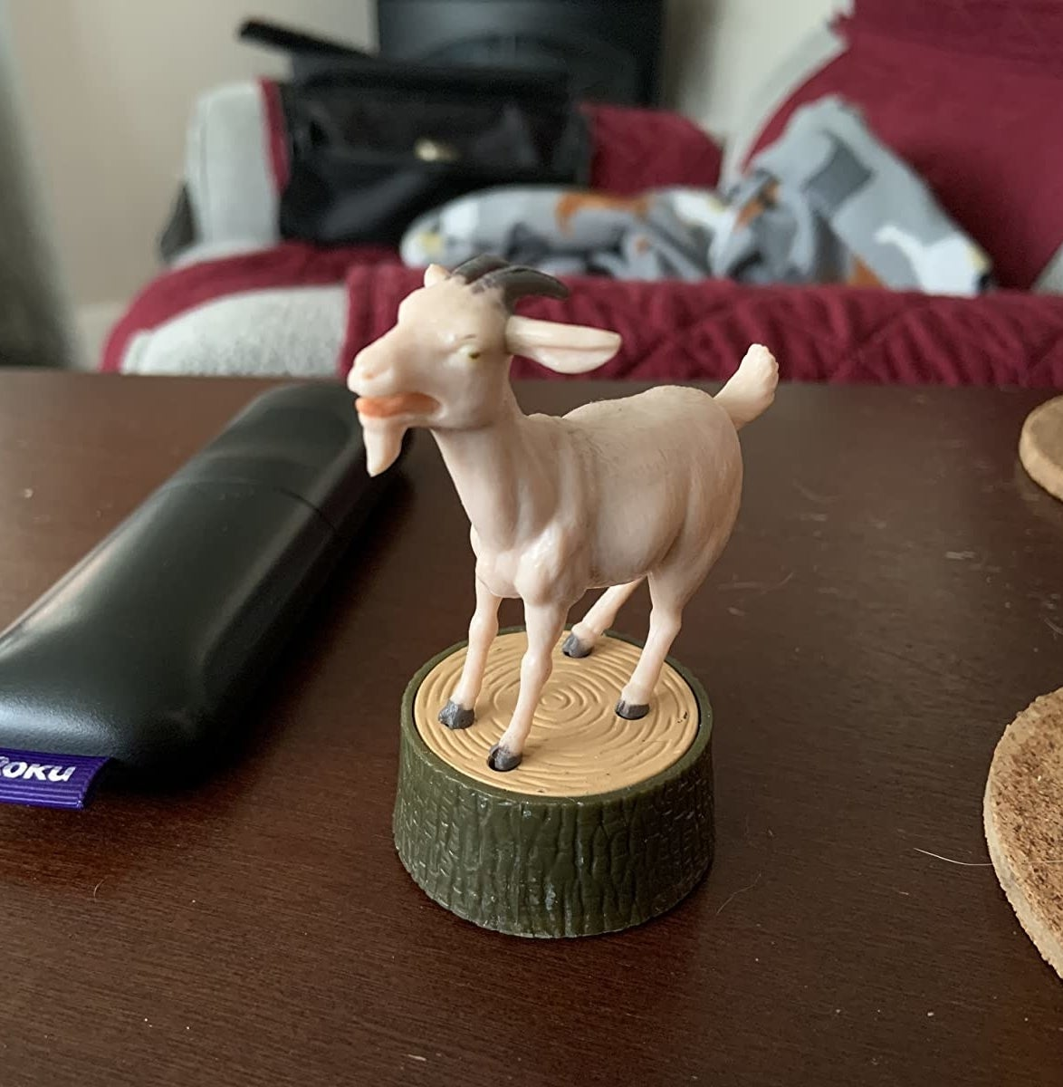Reviewer photo of the screaming goat on a desk