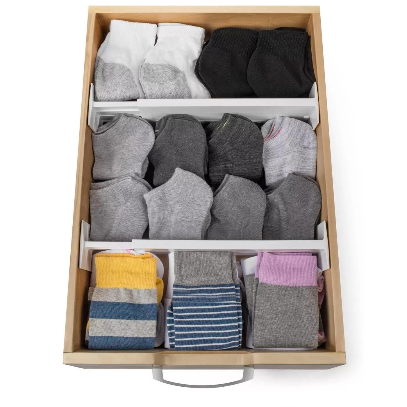 A drawer organizer
