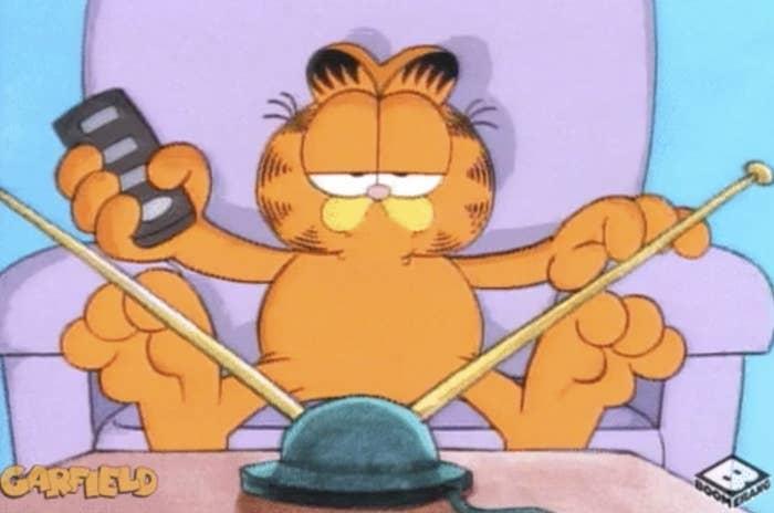 Garfield watching tv