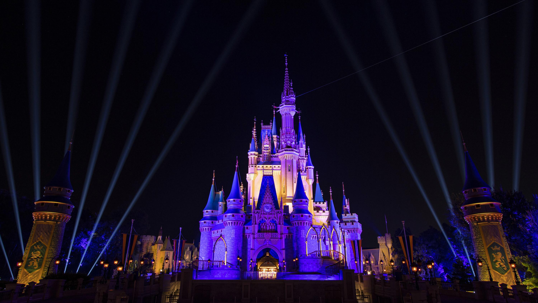 cinderellas castle in disney world
