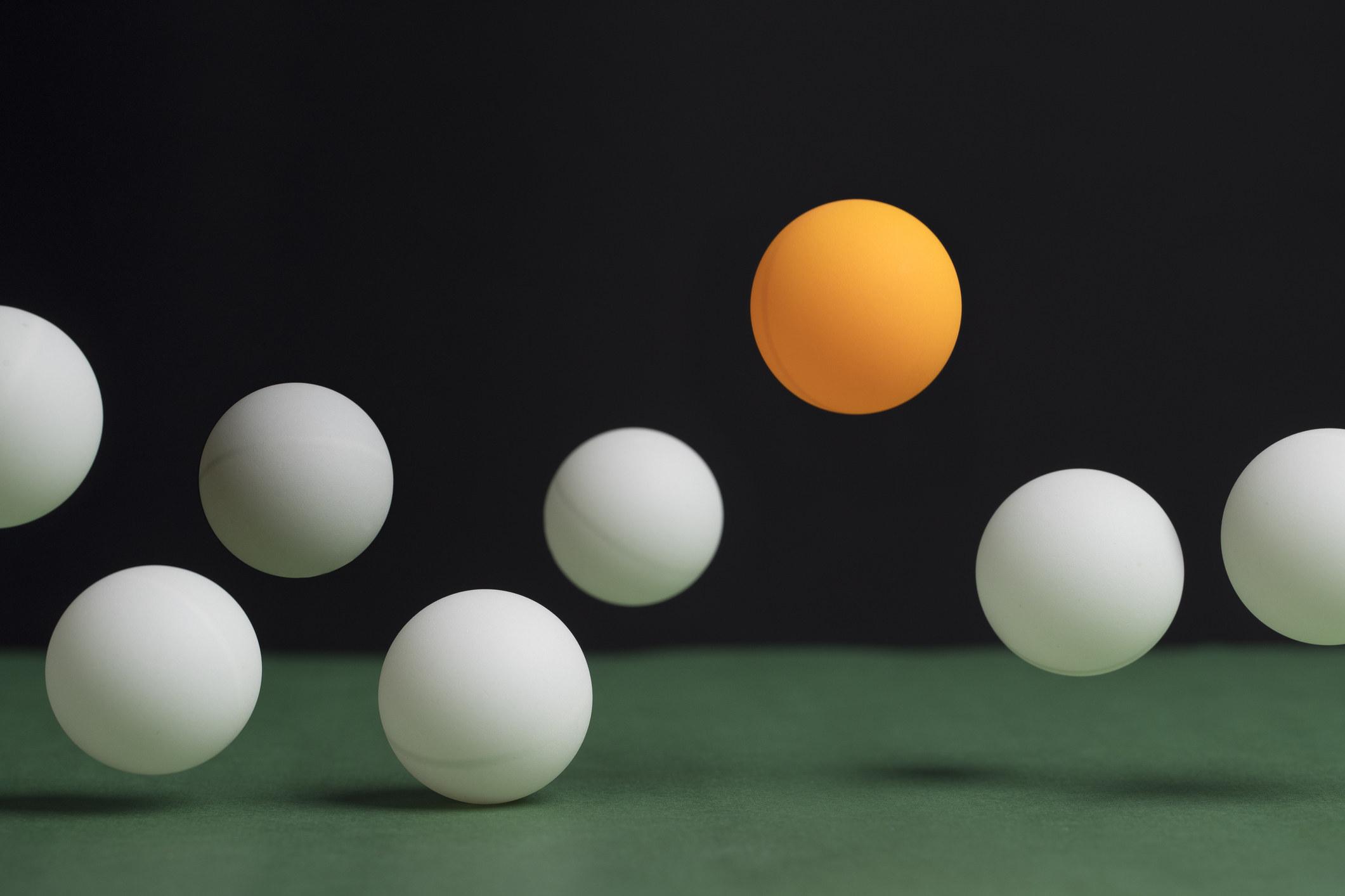 Ping pong balls bouncing