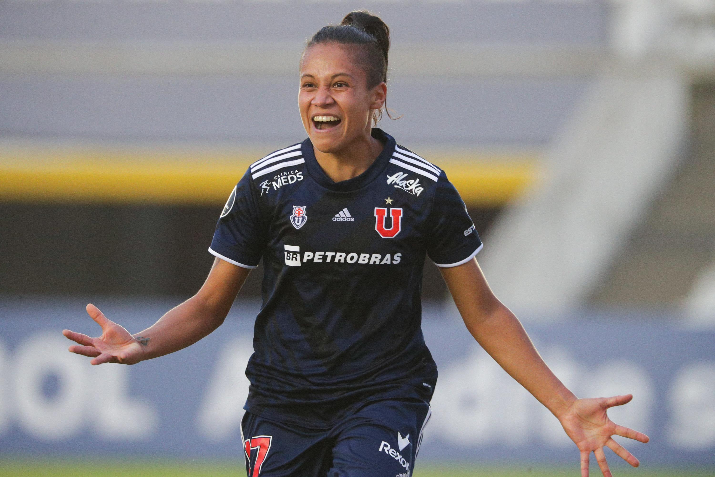 Fernanda celebrating a goal