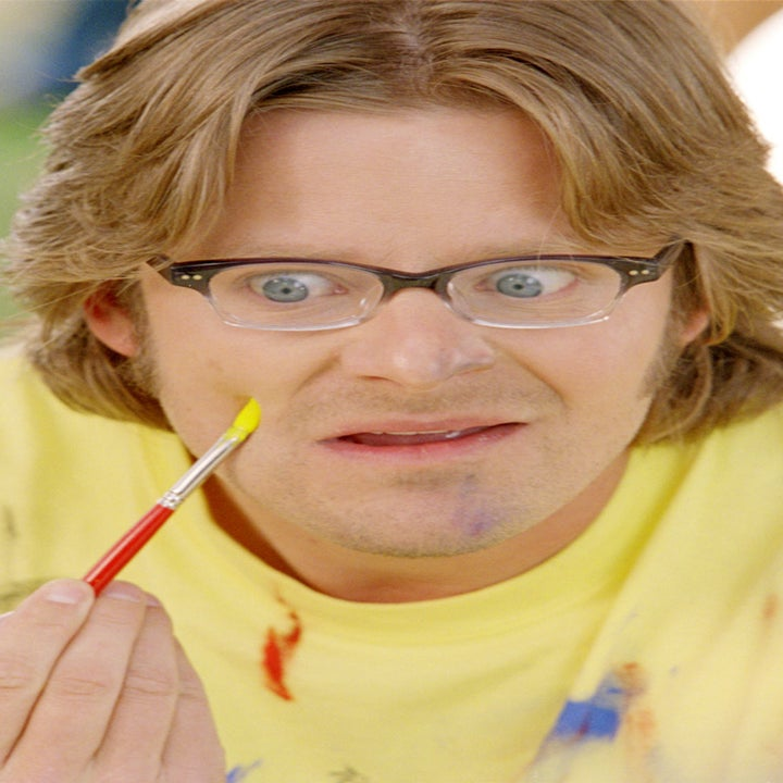 Steve Zahn paints his own face in DADDY DAY CARE