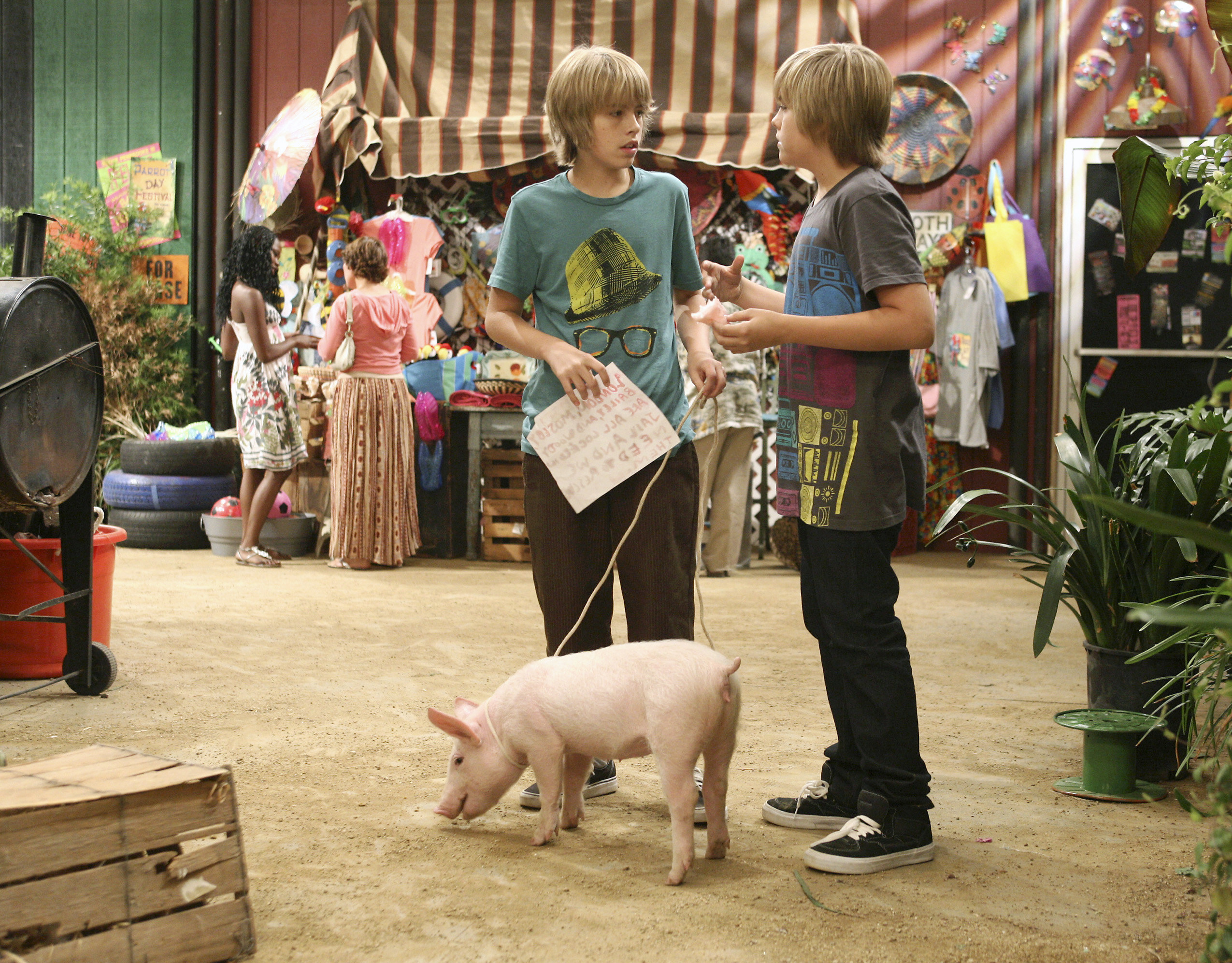 Dylan and Cole as Zack and Cody in the Suite Life