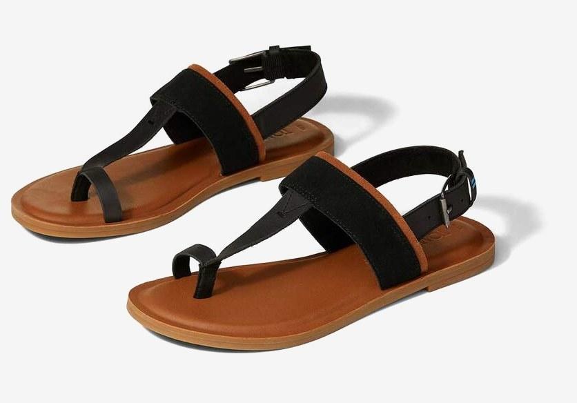 Bree toe loop sandal in black