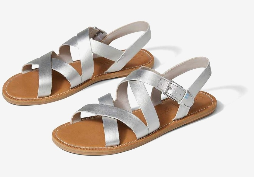 the leather strappy sandals in silver
