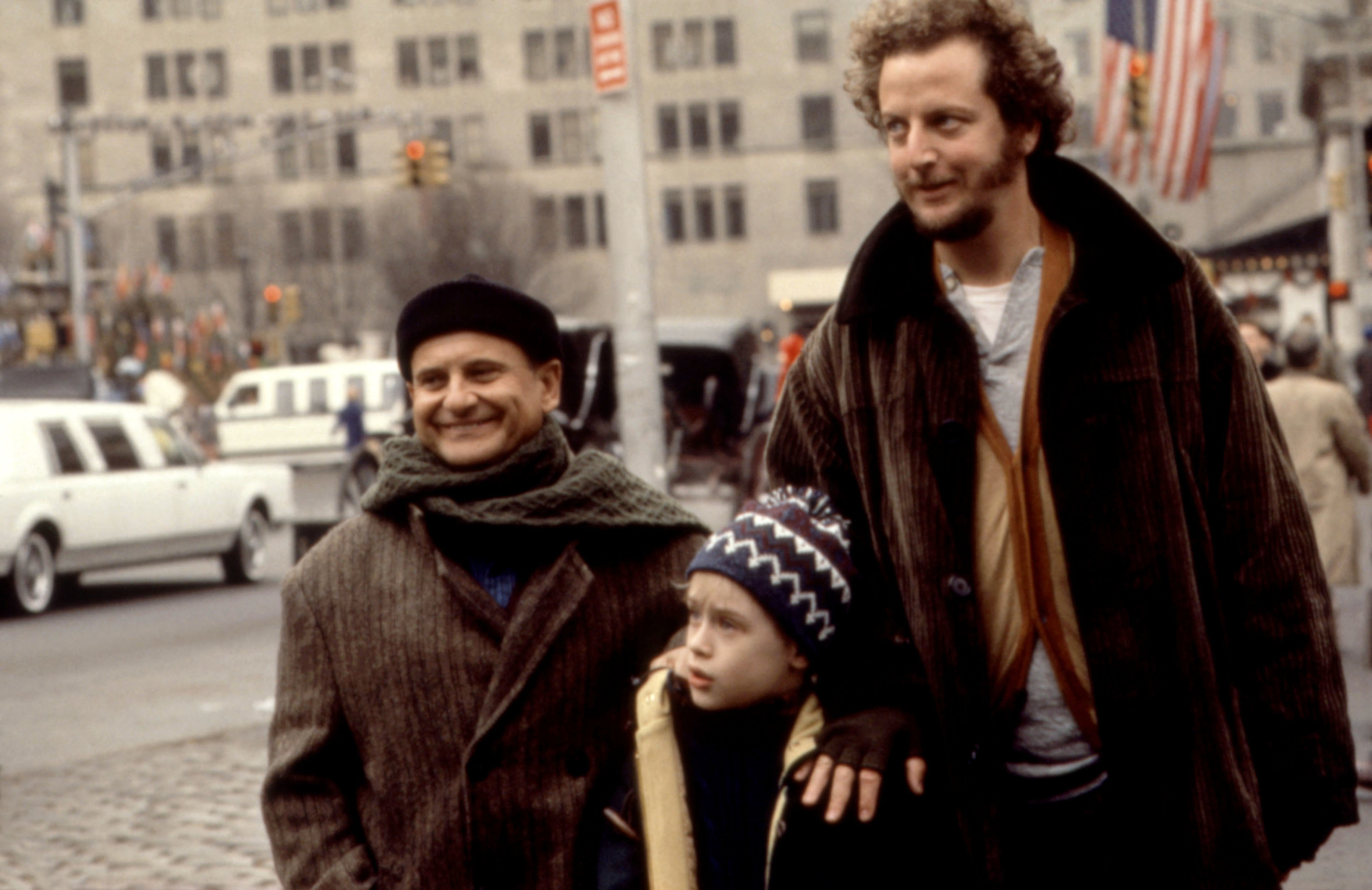 Kevin with the wet bandits in the second Home Alone movie