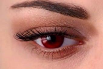 Bella's vampire eye