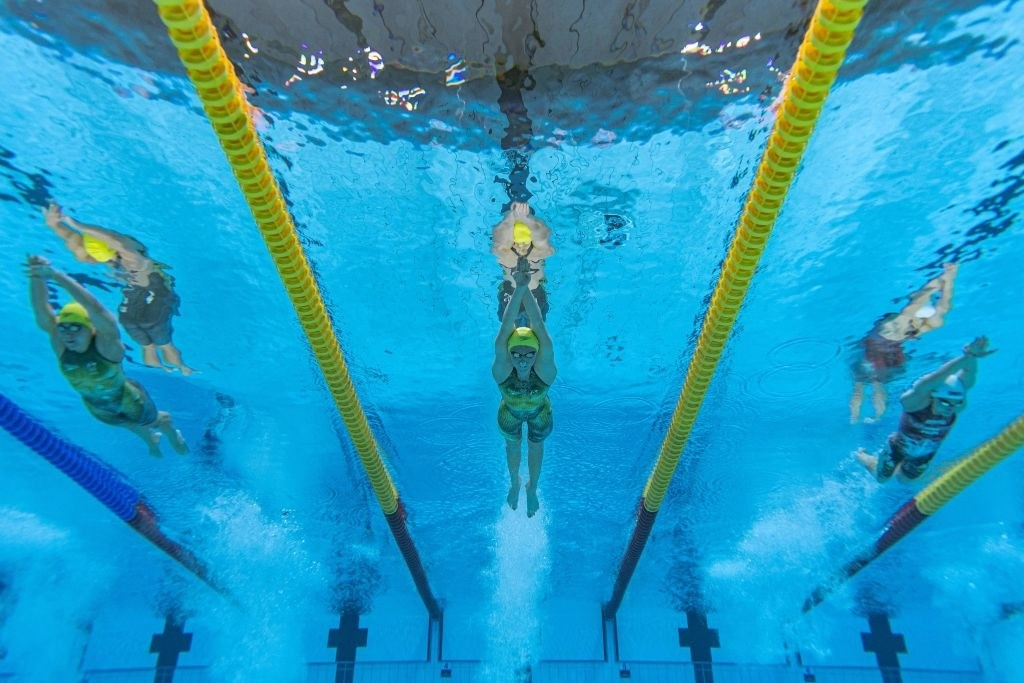 The swimmers competing during the 400 metres final