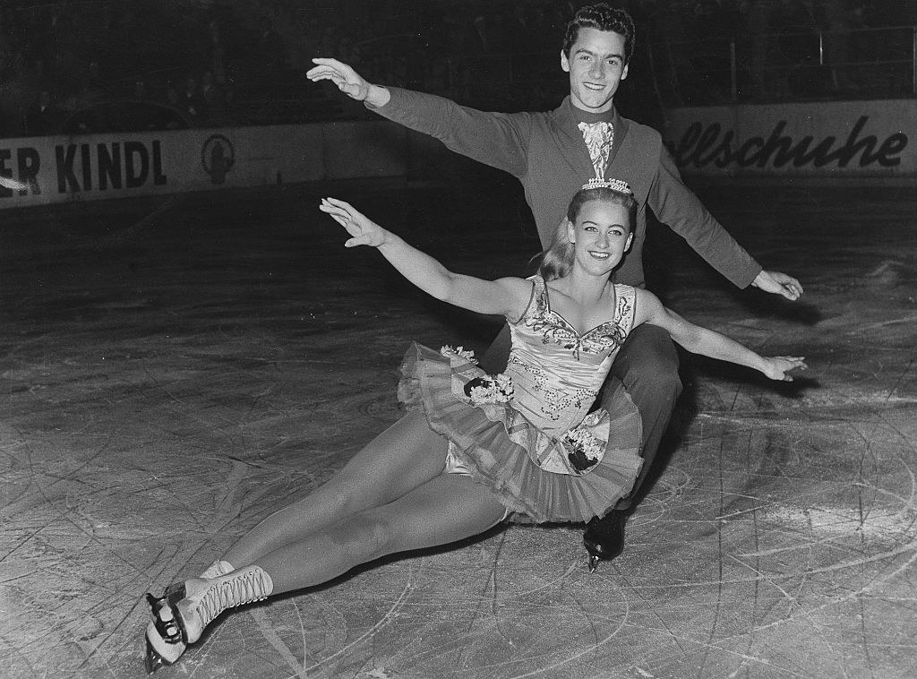 Marika Kilius and Hans-Jürgen Bäumler skating on ice