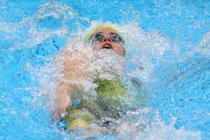 Kaylee McKeown swimming during her event