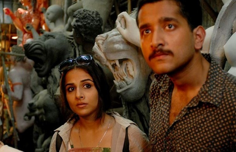 In kahaani, rana and vidya look for someone as they're surrounded by the idols of goddess durga in kolkata's kumartuli