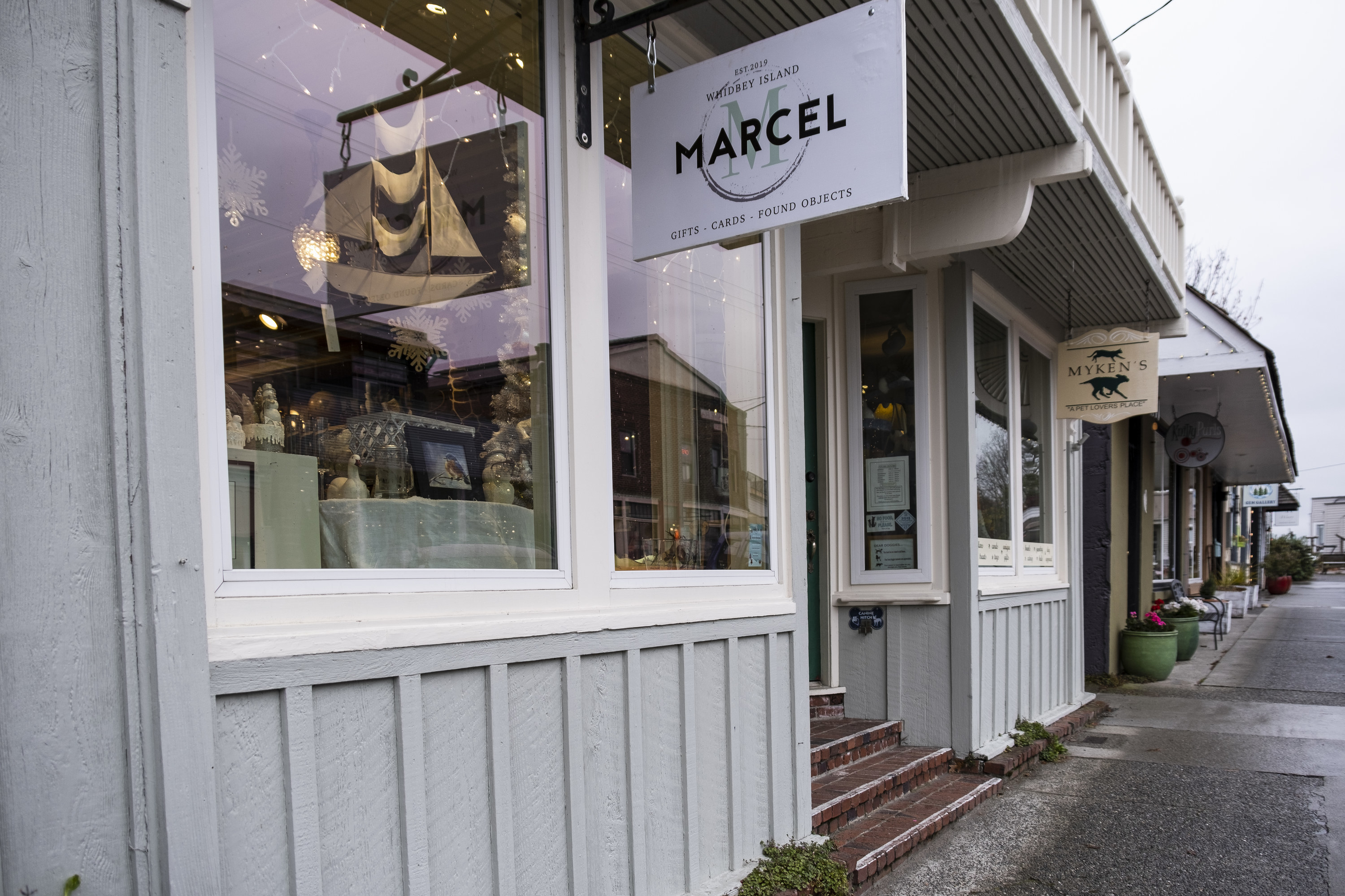 Retail store in Langley
