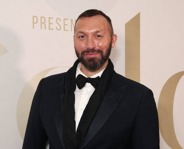 Ian Thorpe posing at a red carpet event
