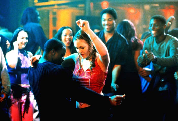 Julia Stiles and Sean Patrick Thomas dance together as Sara and Derek