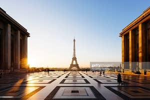 Image of Eiffel Tower in Paris, France