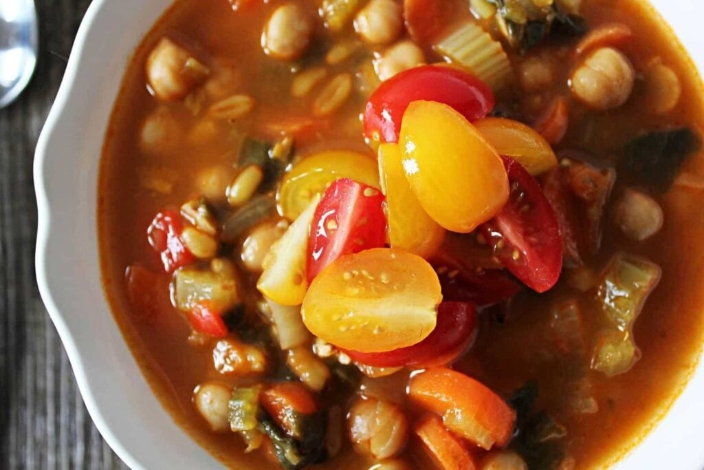 Spicy Kamut and Chickpea Stew