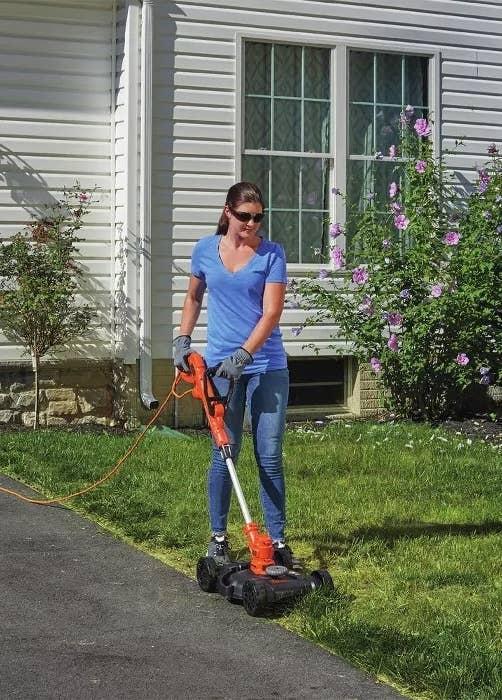 A model using the Black & Decker lawn mower