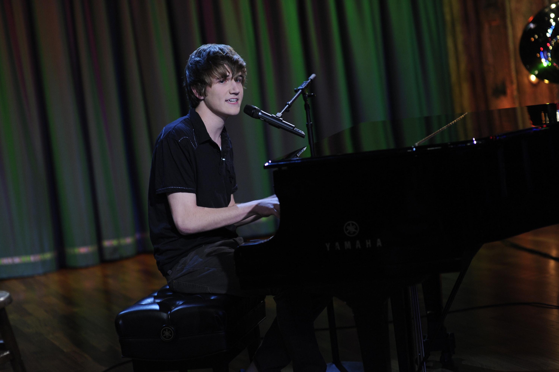 Bo playing piano