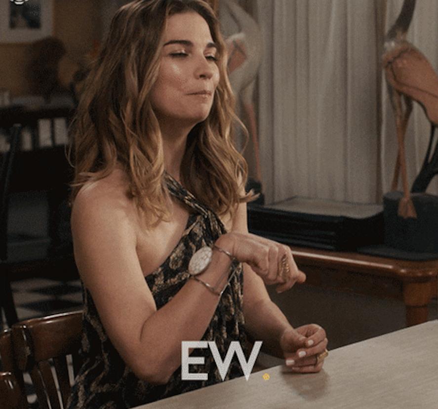 """Alexis Rose saying """"ew"""""""