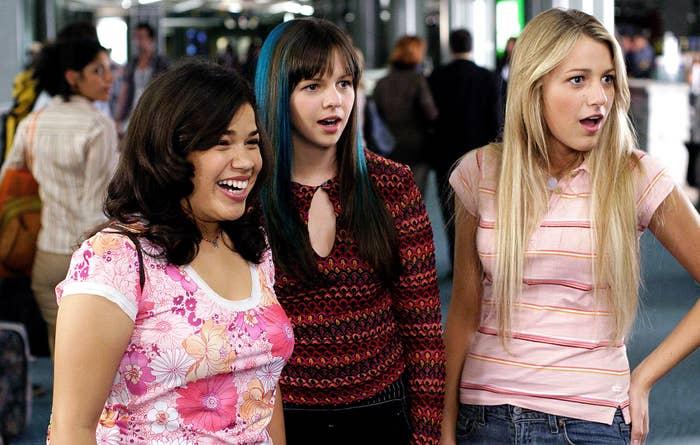 America Ferrera, Amber Tamblyn, Blake Lively in The Sisterhood of the Traveling Pants