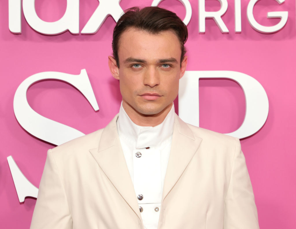 """Thomas Doherty on the red carpter of the """"Gossip Girl"""" premiere"""
