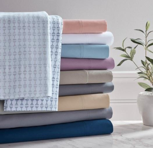 The800-thread-count cotton rich sateen weave sheet set