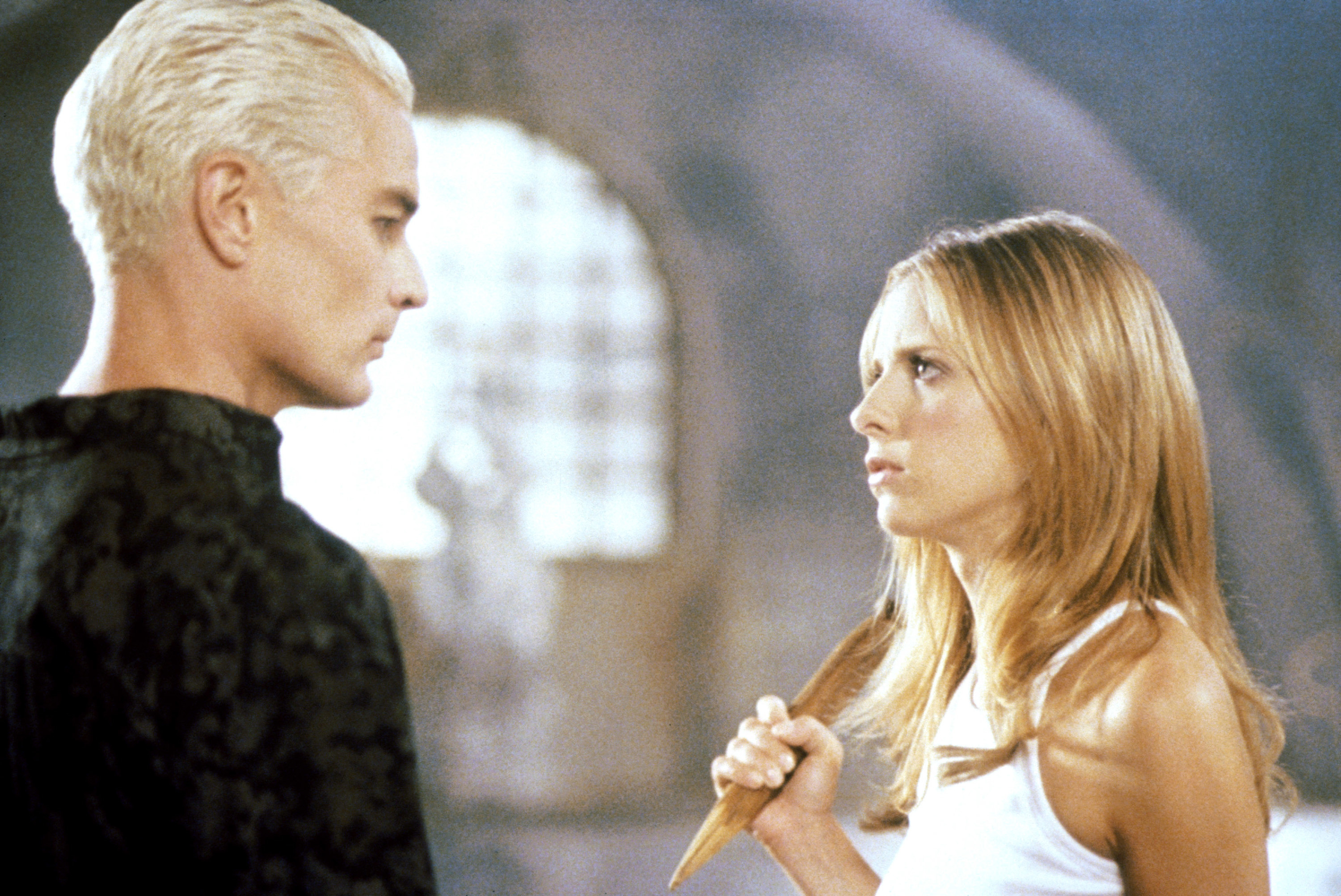 James Marsters and Sarah Michelle Gellar staring each other down