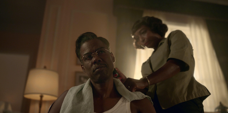 J. Nicole Brooks giving Chris Rock a haircut