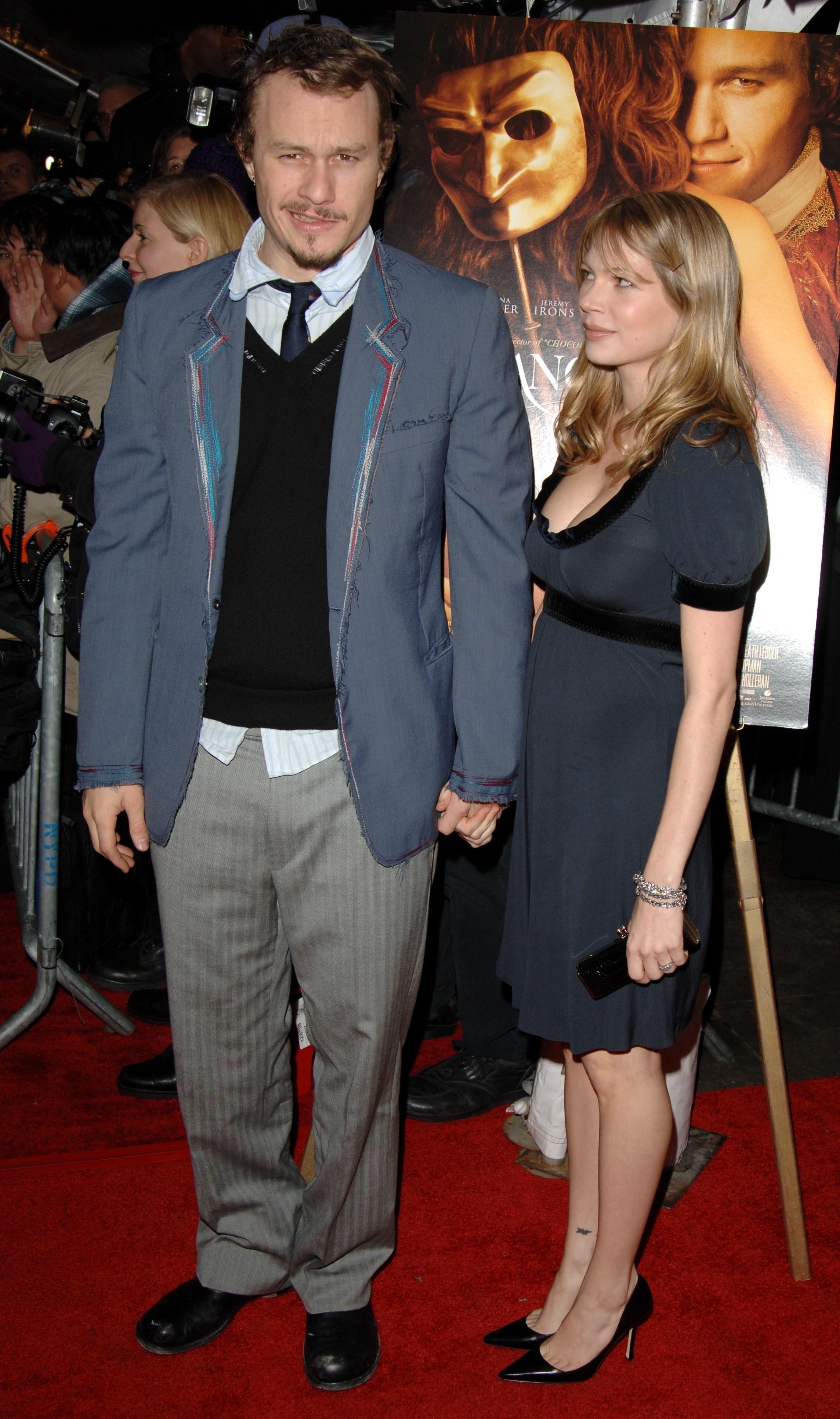 Heath Ledger andMichelle Williams at a movie premiere