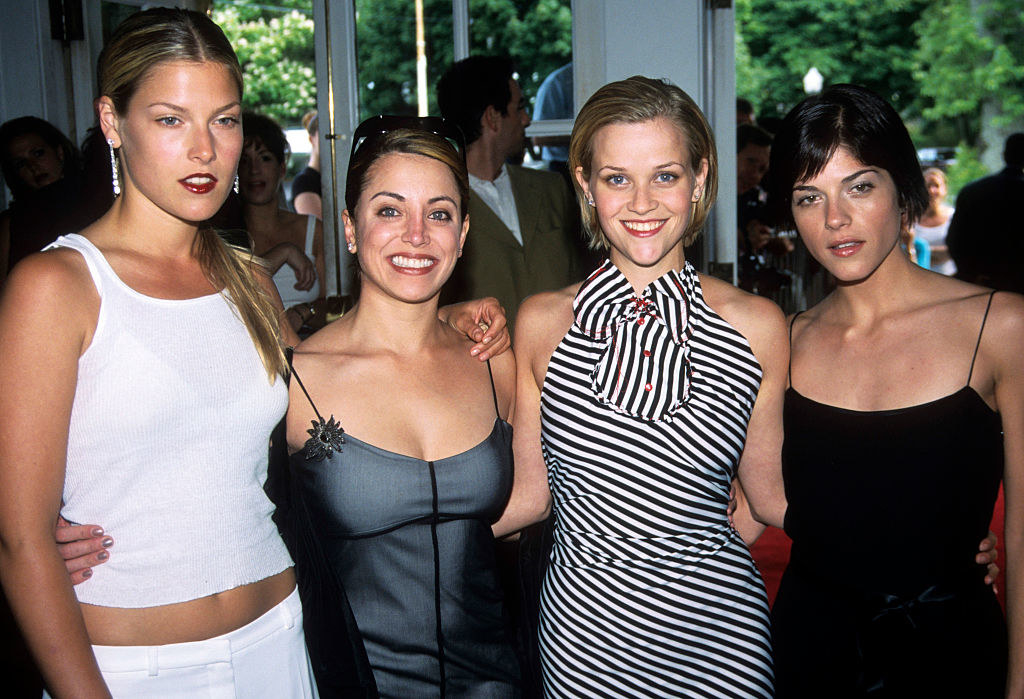 (L to R) Ali Lauder, Alanna Ubach, Reese Witherspoon, and Selma Blair attend the premiere of 'Legally Blonde'
