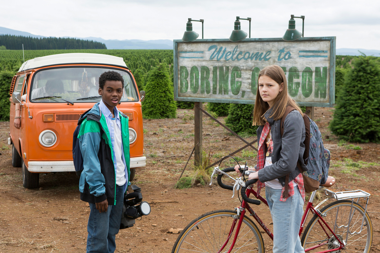 "Jahi Di'Allo Winston and Peyton Kennedy in ""Everything Sucks!"""