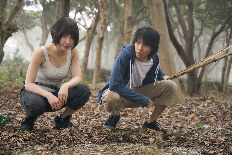 "Tao Tsuchiya and Kento Yamazaki in ""Alice in Borderland"""