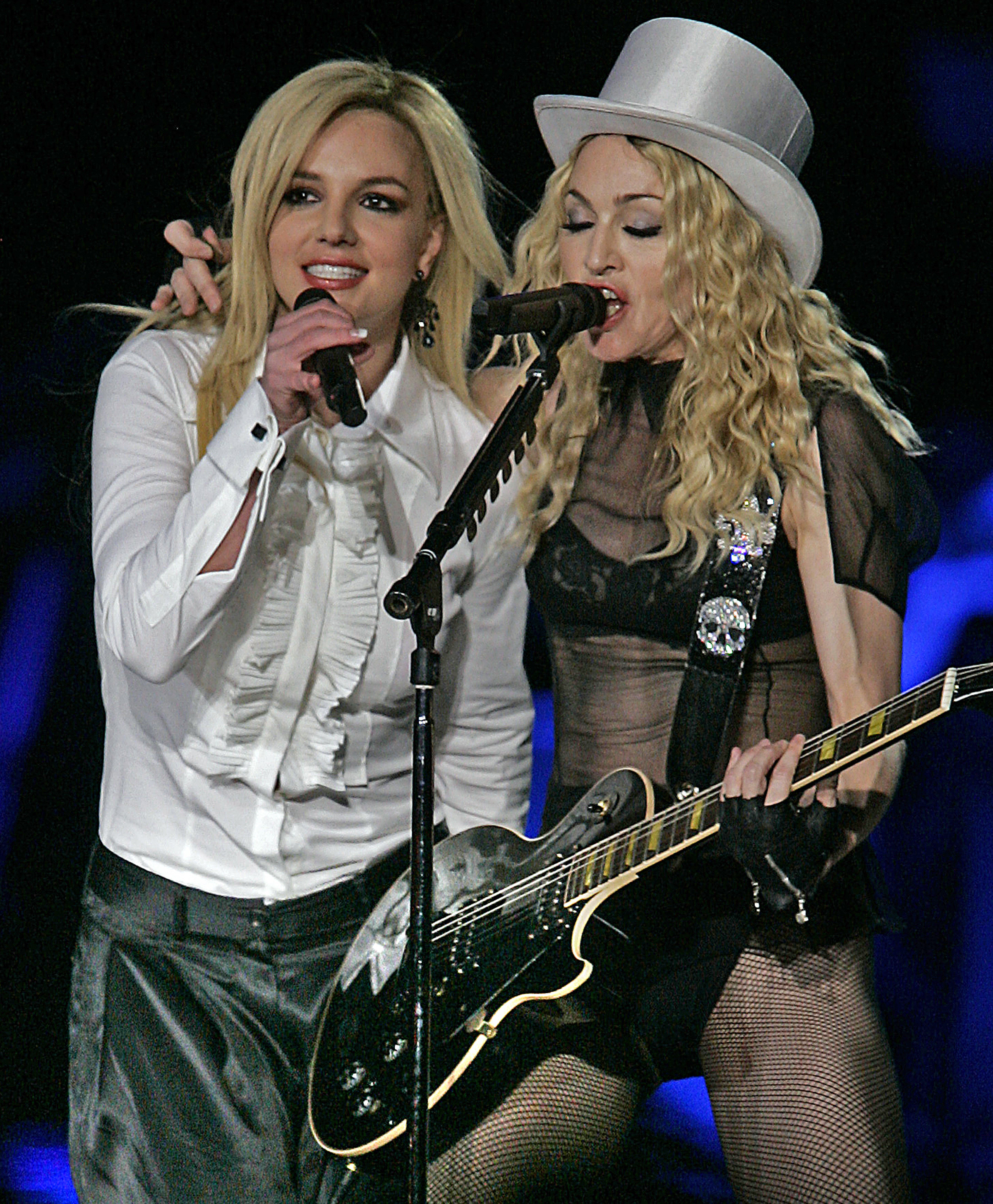 Britney Spears and Madonna sing together onstage in 2008