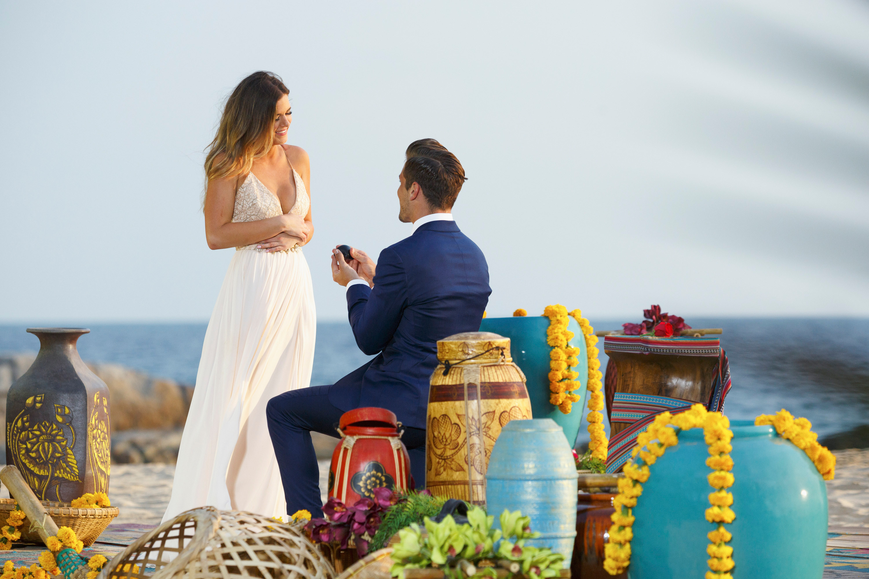 A contestant proposes to the Bachelorette