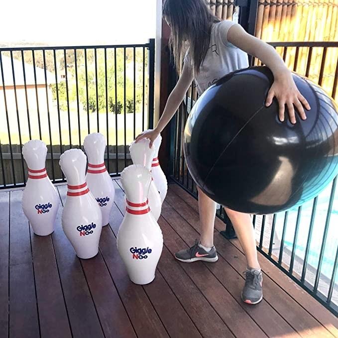 The bowling set