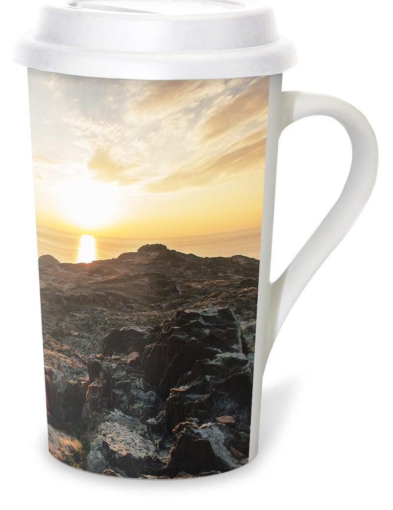The printed white mug and white lid