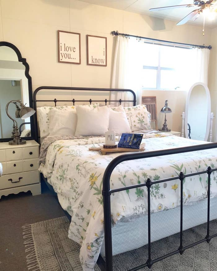 Reviewer's photo shows the duvet on a bed in a bedroom